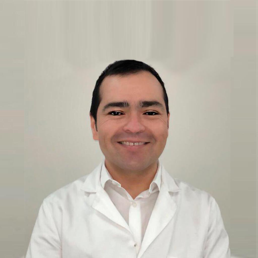 Dr. Mauricio Carrasco R.
